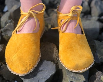 Rocks Moccasins / Deer and Buffalo Leather Moccasins / Minimalist Grounding Shoes / Slippers / Handmade Earthing Moccasins