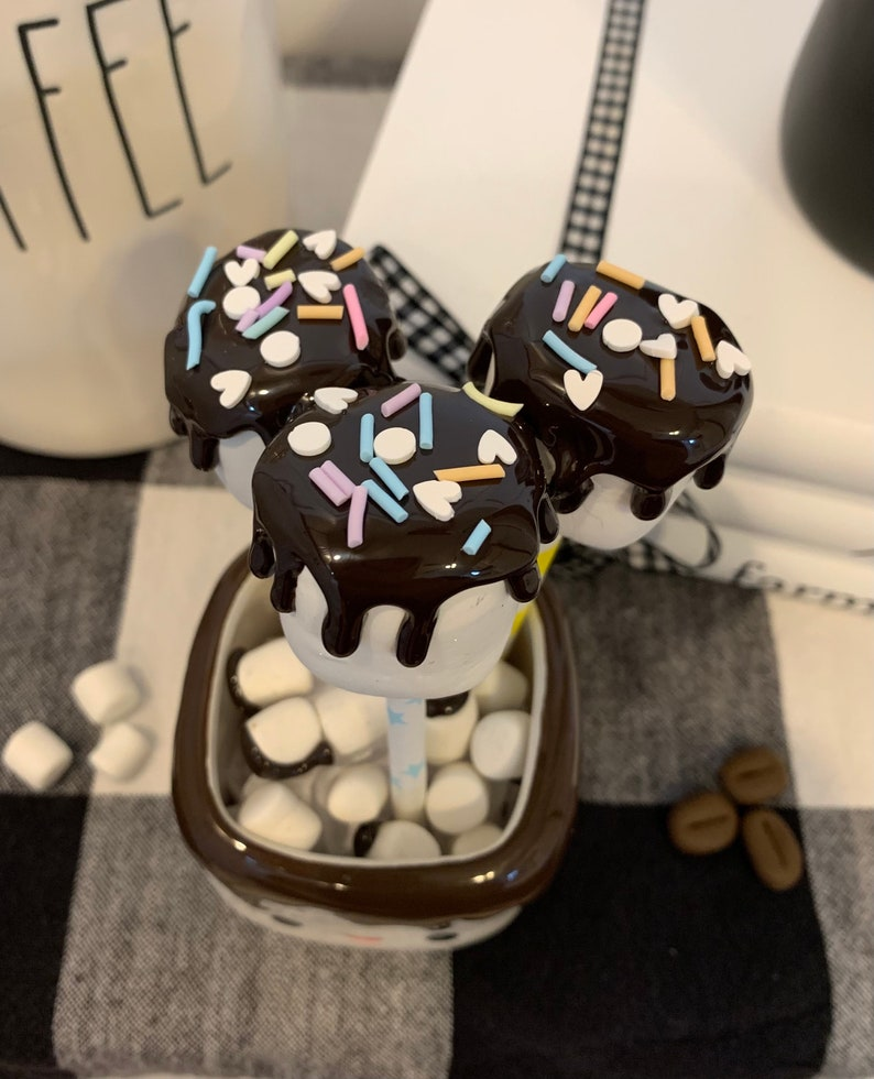 and sprinkles glue clay Set of 3 faux marshmallows with faux chocolate
