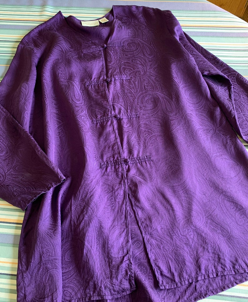 1990s Size M beautiful button details Vintage VS Silk Sleepshirt in Amethyst with paisley design