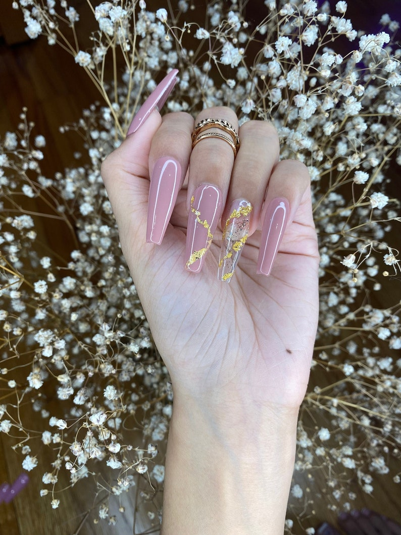Sandy brown with gold flakes coffin press on nails with image 0