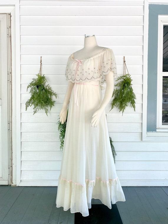 Vintage 1970s Gunne Sax Bridal Gown - image 4