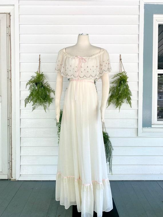 Vintage 1970s Gunne Sax Bridal Gown - image 3
