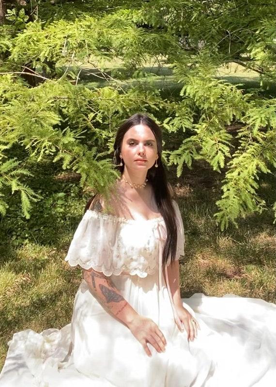 Vintage 1970s Gunne Sax Bridal Gown - image 9