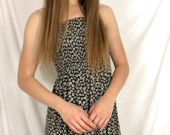 Black and White Shirred Top Strappy Dress-Medium