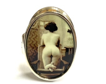Victorian Style Enamel Erotic Lady Sitting Pill Snuff Box 925 Sterling Silver