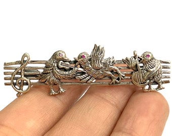 Victorian Style Three Little Birds Singing Pin Brooch with Ruby Stone 925 Sterling Silver