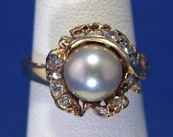 Vintage 14K Free Form Pearl & Diamond Ring