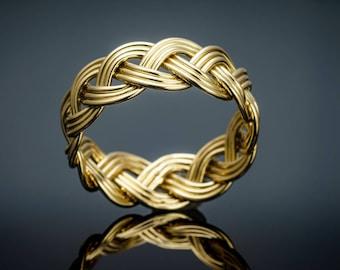 Golden braided ring 750/-