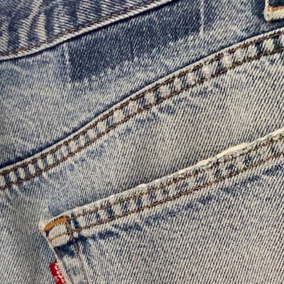 VINTAGE LEVIS 505 • Made in USA • 34/34 - image 2