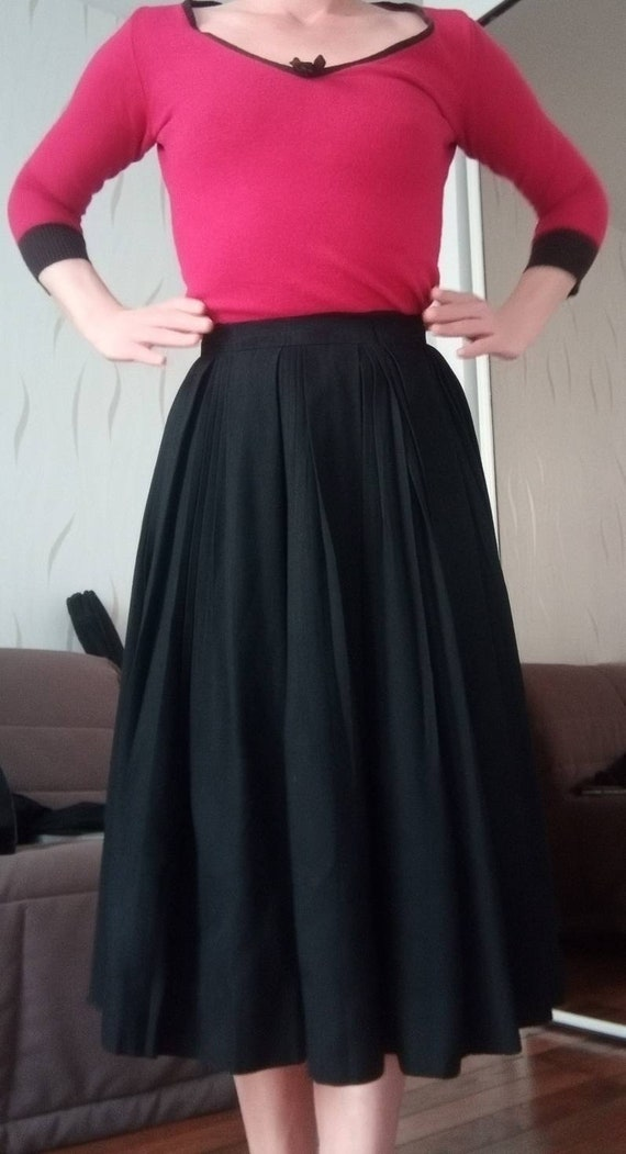 Authentic 40s black skirt