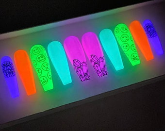 Glow In The Dark Festival Press On Nails | Neon Festival Nails | Fake Nails | Gel Nails | Acrylic Nails | Festival | Smiley Nails