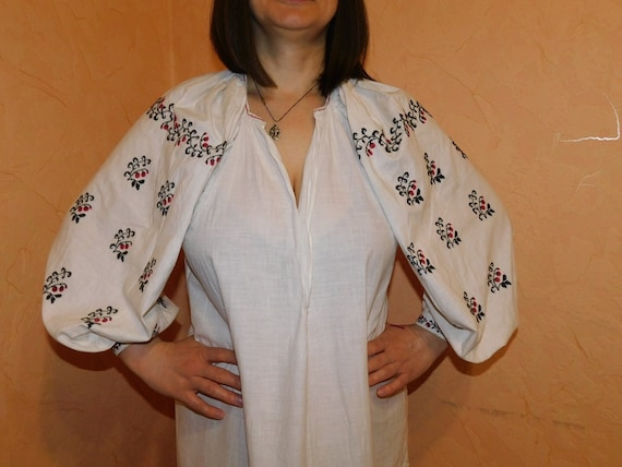 Ukrainian traditional red vyshyvanka vintage| ukr… - image 1
