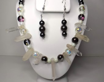 Drawbench shell and crystal necklace and earring set