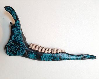 BoneArtPetit Hand Painted Deer Jaw Bone Blues-Black Colors