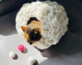 Cat cave, cat cave bed, Merino wooll cat bed, Cuddly beds for cats and dogs, knitted wool, cat house