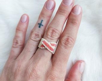 Peyote Infinity Metis Ring - Cream & Watermelon