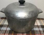 Vintage Wagner Ware Magnalite 6QT Dutch Oven