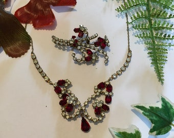 Superb 1940s Brilliant Sapphire Pink Crystal /& Satin Frosted Art Glass Festoon Gold Plated Choker