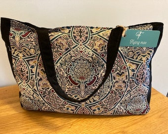 Liberty of London Exterior Fabric Small Curvy Bauble Clasp Purse