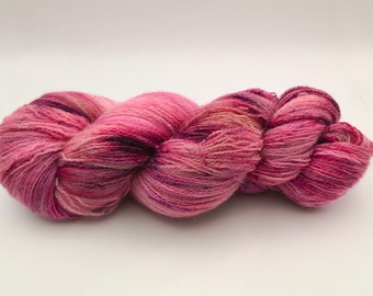 """BFL Finesse """"Rose d'Antan"""", Bluefaced Leicester wool dyed by hand, unique skein. Diam. Lace / Lace- Superwash- 100g"""