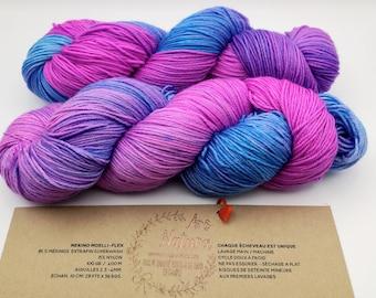 "Merino Moelli-Flex ""Bougainvillea"", Merino wool/Nylon hand-tinted, unique skein. Diam. Fingering / 4 ply"