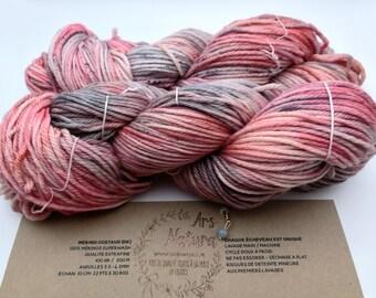 """Mérino Costaud """"Souricette"""", Wool 100% Merino dyed by hand, unique skein. Diam. DK - 100g- 200m Superwash"""