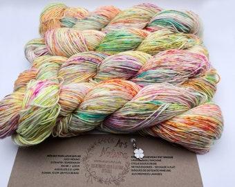 """Mellow Merino """"Marrakech"""", 100% Merino wool dyed by hand, unique skein. Diam. Fingering / 4 ply -100g- Superwash"""