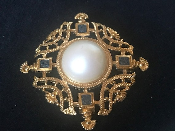 Gold filigree pearl and blue crystal brooch,Monet… - image 9