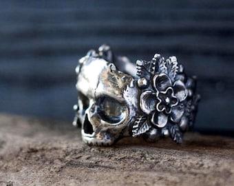 Skull Flower Gothic Ring Stainless Steel Rose Skull Ring Vintage Punk Skeleton Flowers Rings Jewelry Gift for Man and Woman