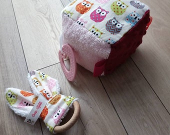 Nice sensory cube and its rattle, gift for toddler, sensory awakening of Montessori inspiration, birth gift