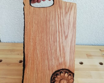Unique hand carved oak cutting board / Wood serving board with handle / Flower print hand carved dish