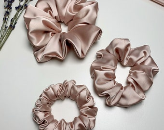 Chouchou in pink satin blush | Pink blush satin scrunchie | Handmade| Handmade | Made in Quebec | Made in Quebec