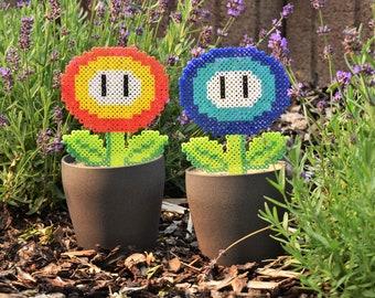 Super Mario Nintendo | Ice flower | Fire Flower | Ironing beads | Perler Beads | Pixel Type | 8Bit | Plant | Flower | Decoration