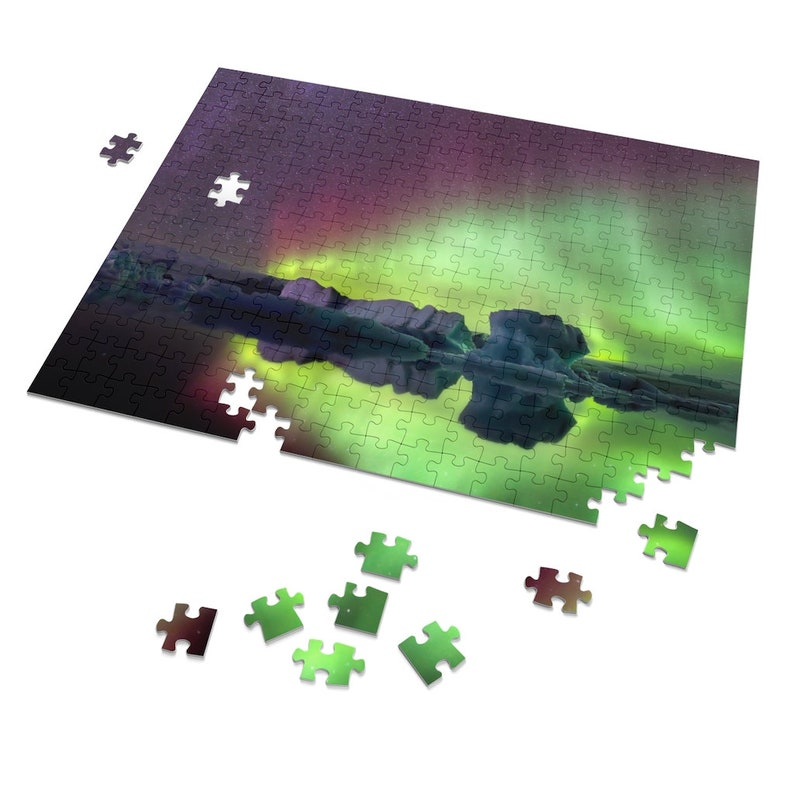 Iceland : Northern Lights 252 Piece Puzzle image 1