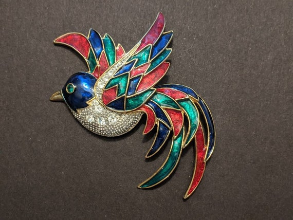 green and blue enamel green rhinestone for the eye red Large vintage parrot brooch fabulous quality clear rhinestones and gold plate