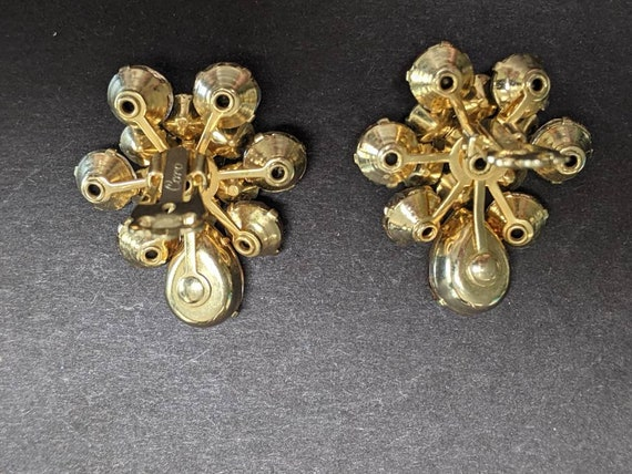 Gorgeous vintage Coro rhinestone and faux pearl c… - image 6