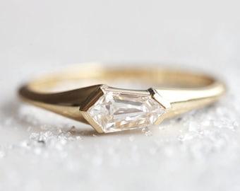 Shield Shape Missanite Ring, 2.00 Ct Moissanite Weddig Ring, Engagement Ring, Solitaire Ring, Promise Ring, Gift For Her