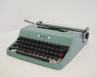 Lettera 32 typewriter Olivetti 1963