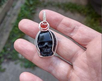Black bone-carved skull Pendant
