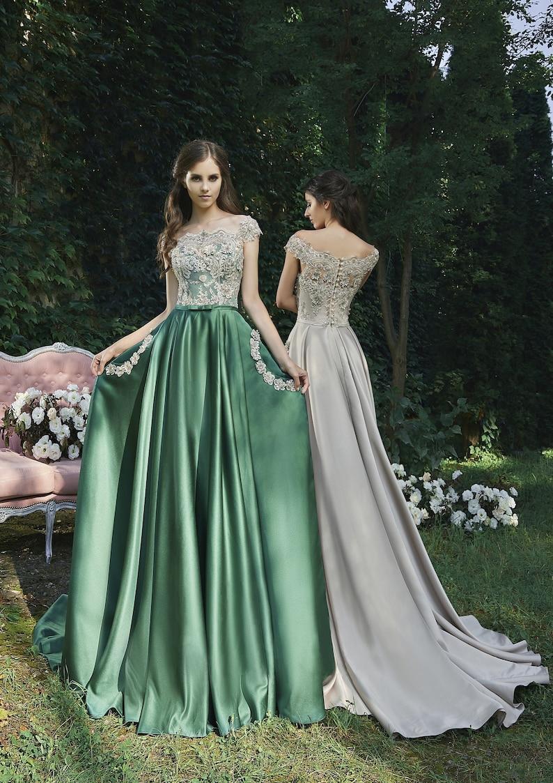 Elegant Formal Emerald Satin Full Skirt Evening Dress with image 0