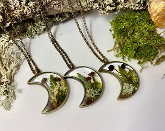 lichen and grass necklace Moss