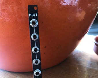 MULT - eurorack mult module