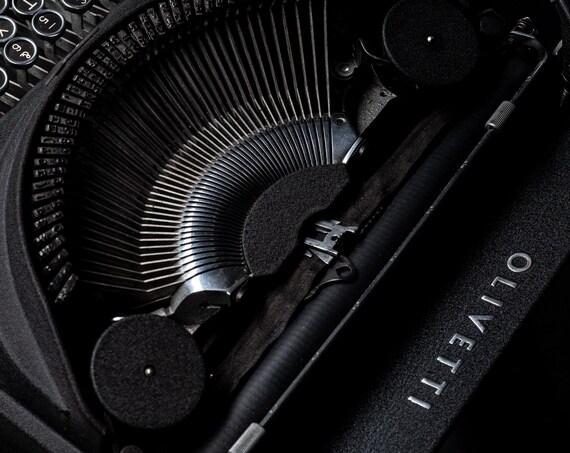 The Olivetti ICO Typewriter