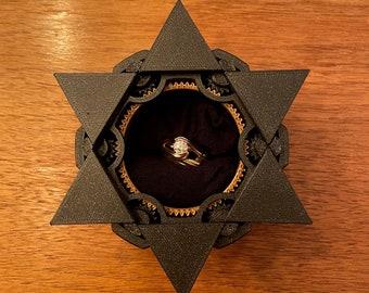 Star of David Mechanical Ring Box