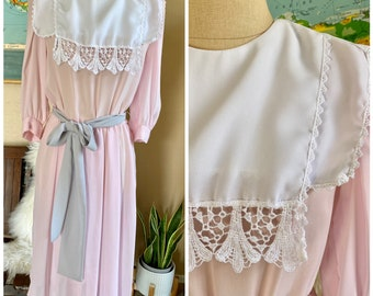 Vintage 80s REO Originals Pastel Pink Dress with White Lace Edged Bib Prairie Dress Boho