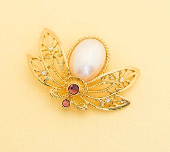 Vintage AVON Designer Pin Brooch Apple Fruit Gold Tone Plate Petite Rockabilly Mid Century Jewelry Gift VivianJoel.com