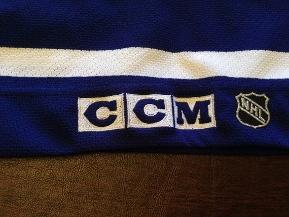 Toronto Maple Leafs authentic hockey jersey - image 8