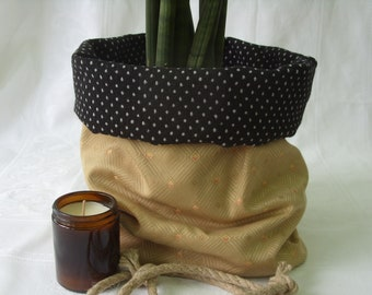 Reversible Plant Pot Cover or Storage Basket, Gold/Black, Recycled