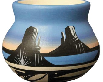 Authentic Cedar Mesa Pottery Indian Hand Painted Bryce Canyon 6 x 5 Bowl
