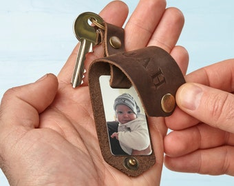 Engraved key holder with your photo, personalized photo keychain, customized keychain, first fathers day gift, new dad keychain